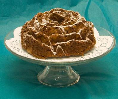 This delicious apple cake will add spice to any fall holiday table!